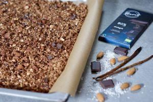 Hjemmelaget glutenfri granola med sjokolade