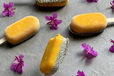 Melkefri is med mango og chiafrø