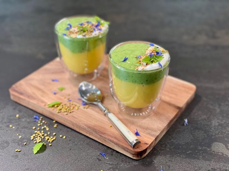 Melkefri smoothie med Yokos, mango og kiwi